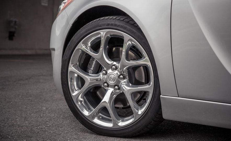 2014 Buick Regal GS AWD - Slide 14