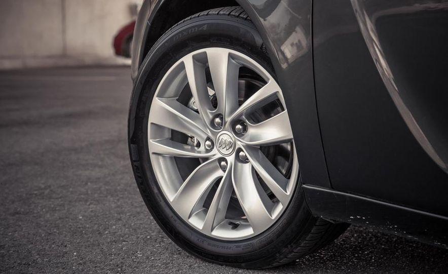 2014 Buick Regal GS AWD - Slide 42