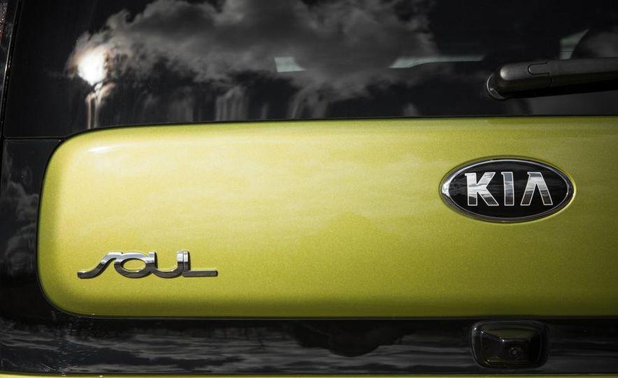 2014 Kia Soul 2.0L - Slide 21
