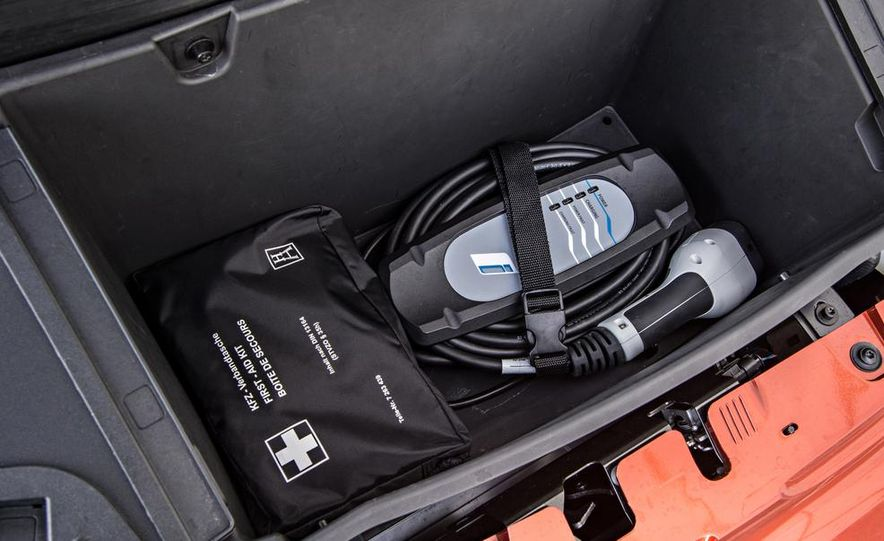2014 BMW i3 Giga World - Slide 38