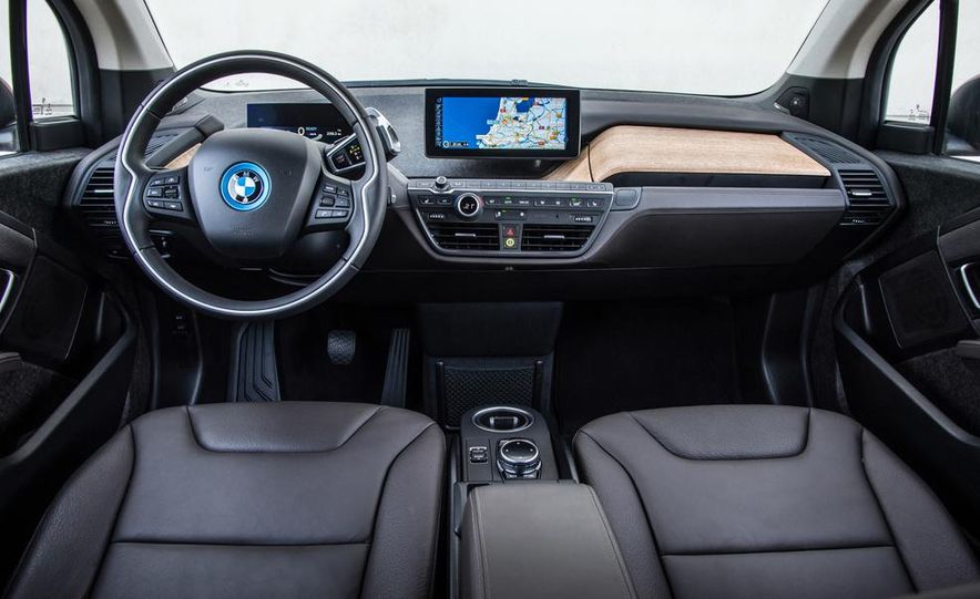 2014 BMW i3 Giga World - Slide 26