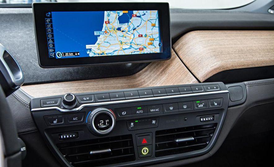 2014 BMW i3 Giga World - Slide 32