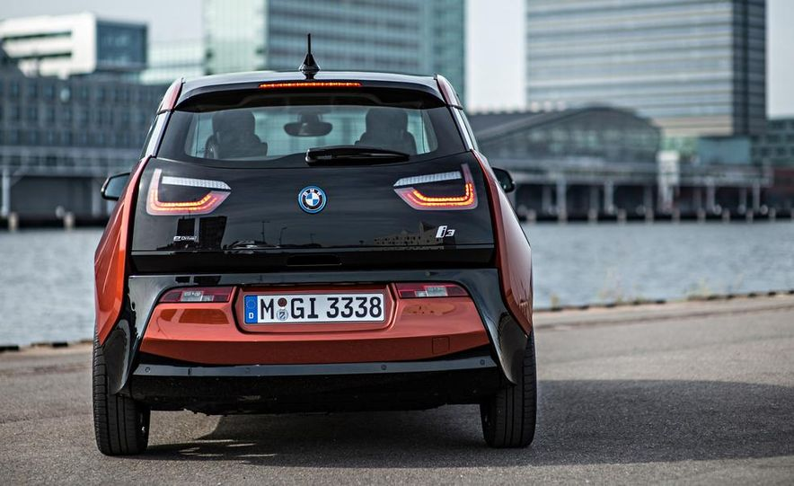 2014 BMW i3 Giga World - Slide 18