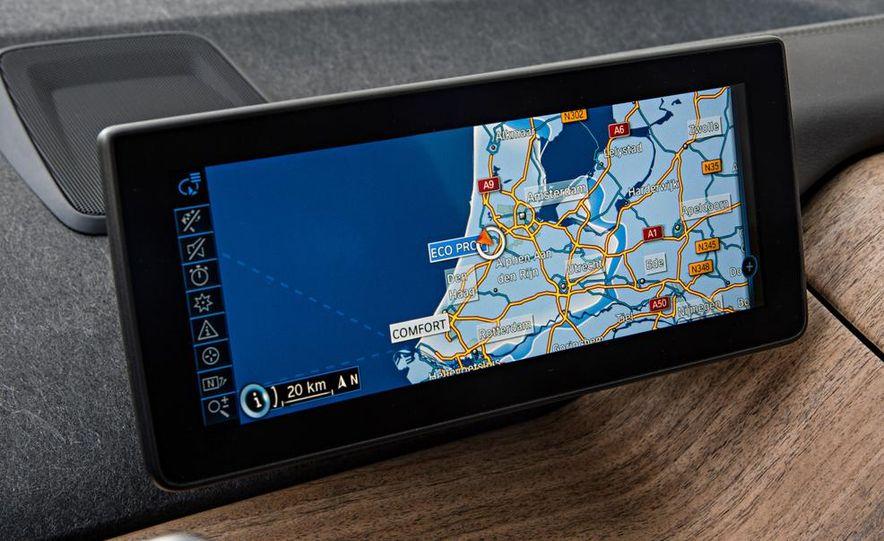 2014 BMW i3 Giga World - Slide 33