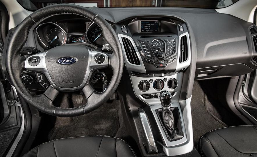 2014 Ford Focus SE and 2014 Mazda 3 i Grand Touring - Slide 16