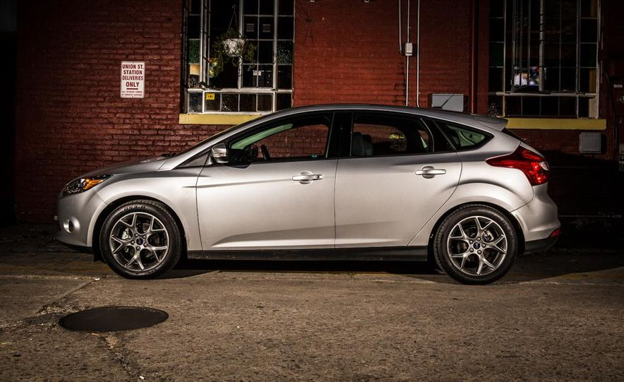 2014 Ford Focus SE and 2014 Mazda 3 i Grand Touring - Slide 12