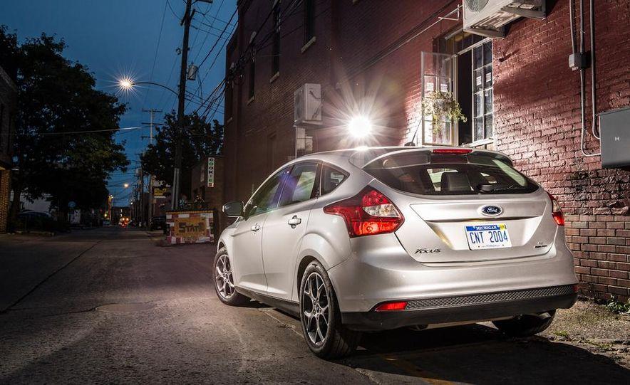 2014 Ford Focus SE and 2014 Mazda 3 i Grand Touring - Slide 13