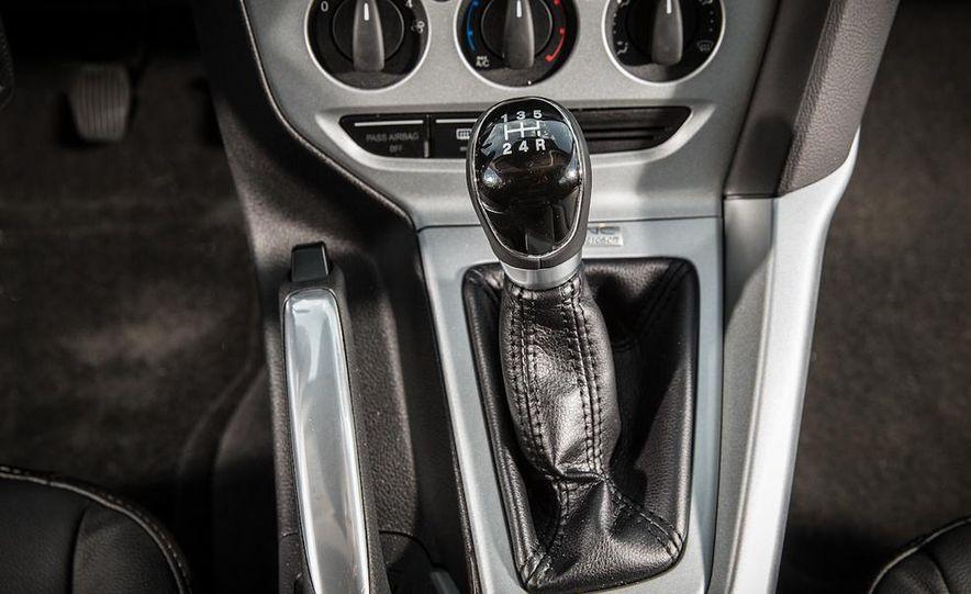 2014 Ford Focus SE and 2014 Mazda 3 i Grand Touring - Slide 18