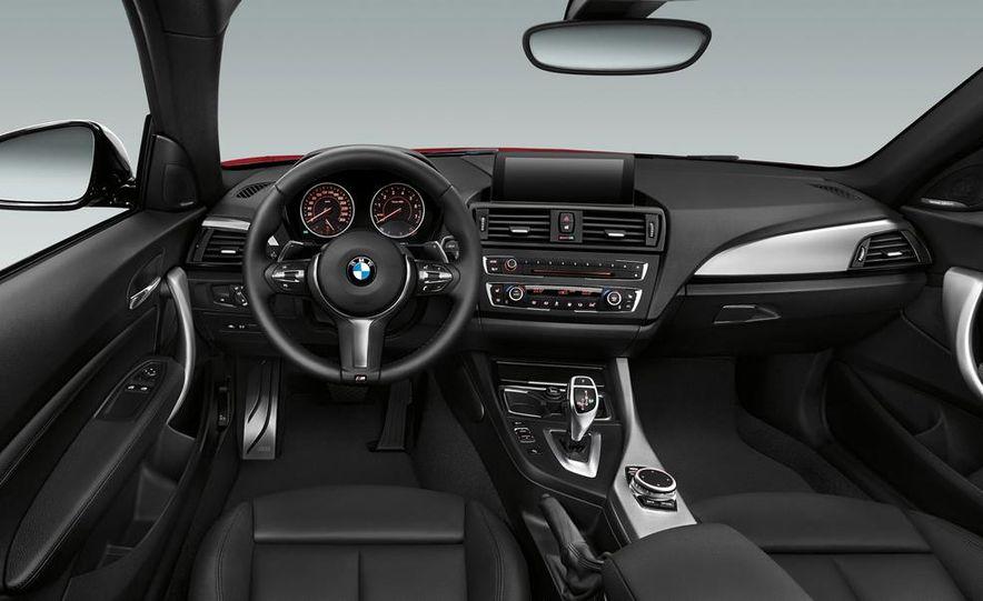 2014 BMW M235i coupe - Slide 13