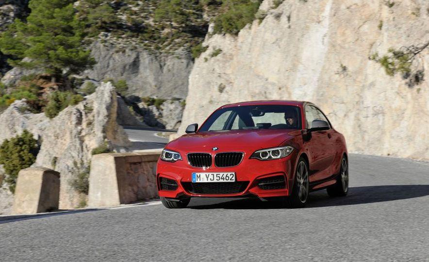 2014 BMW M235i coupe - Slide 8