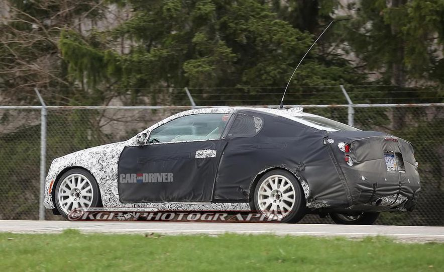 2015 Cadillac ATS-V coupe (spy photo) - Slide 26