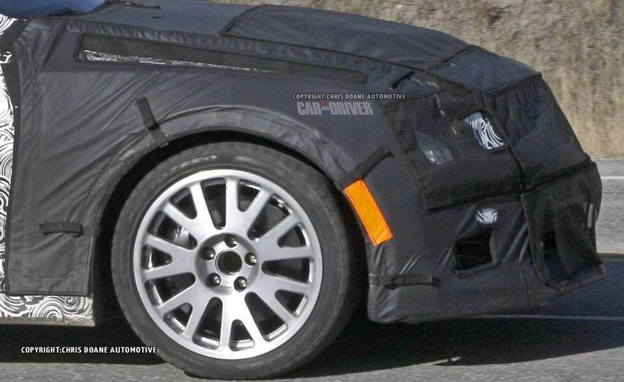 2015 Cadillac ATS-V coupe (spy photo) - Slide 15