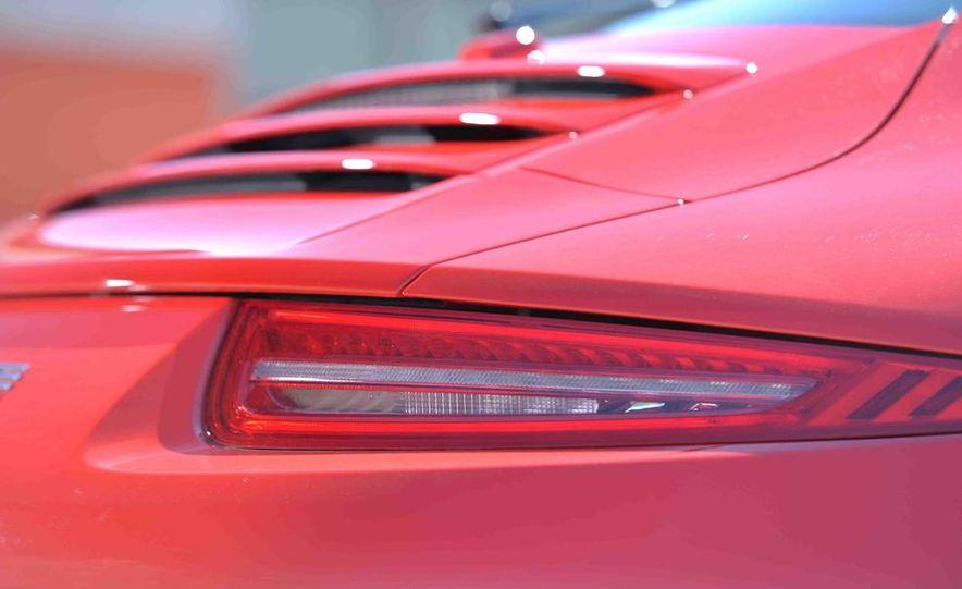 2014 Chevrolet Corvette Stingray and 2014 Porsche 911 Carrera S - Slide 55