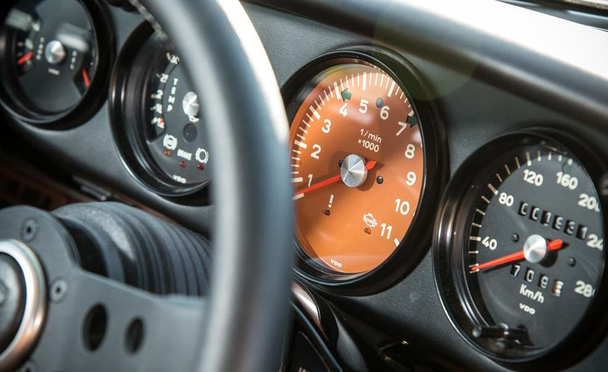 Singer Vehicle Design's Reimagined Porsche 911 - Slide 15