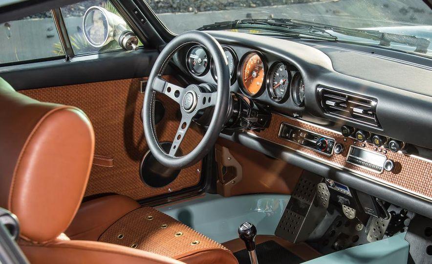 Singer Vehicle Design's Reimagined Porsche 911 - Slide 14