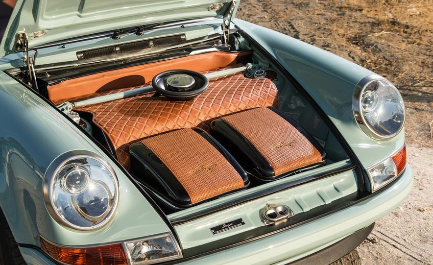 Singer Vehicle Design's Reimagined Porsche 911 - Slide 11