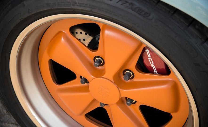 Singer Vehicle Design's Reimagined Porsche 911 - Slide 10