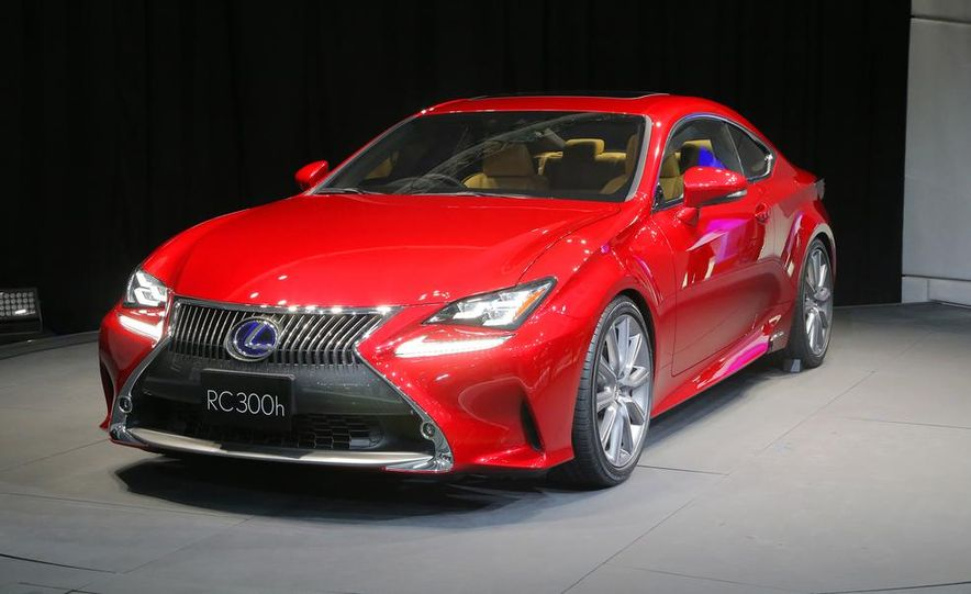 2015 Lexus RC300h coupe - Slide 1
