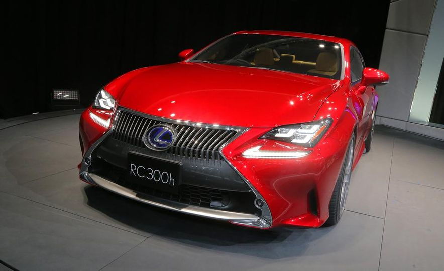 2015 Lexus RC300h coupe - Slide 4