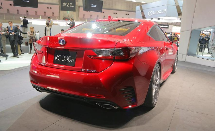 2015 Lexus RC300h coupe - Slide 11