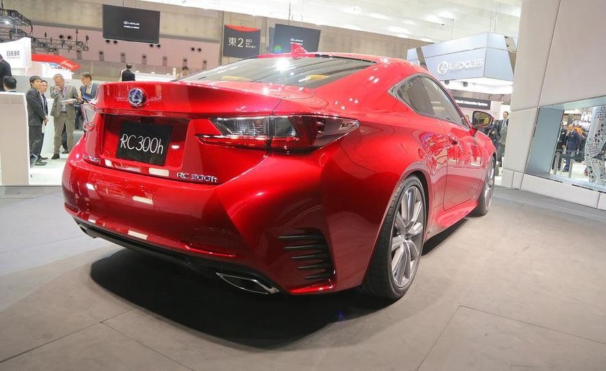 2015 Lexus RC300h coupe - Slide 12