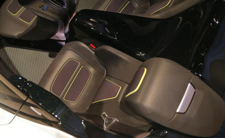 Nissan BladeGlider concept - Slide 22