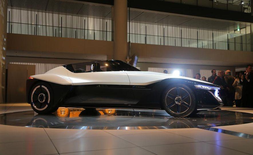 Nissan BladeGlider concept - Slide 3
