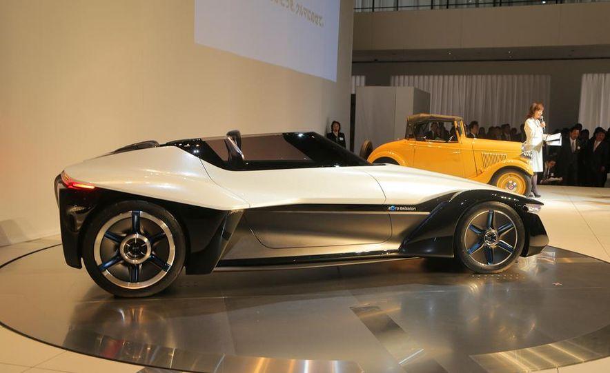 Nissan BladeGlider concept - Slide 7