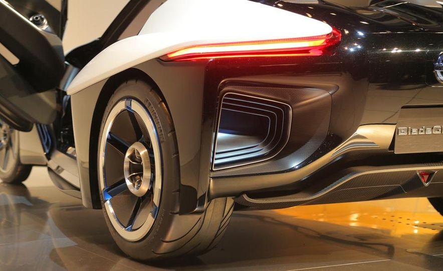 Nissan BladeGlider concept - Slide 11