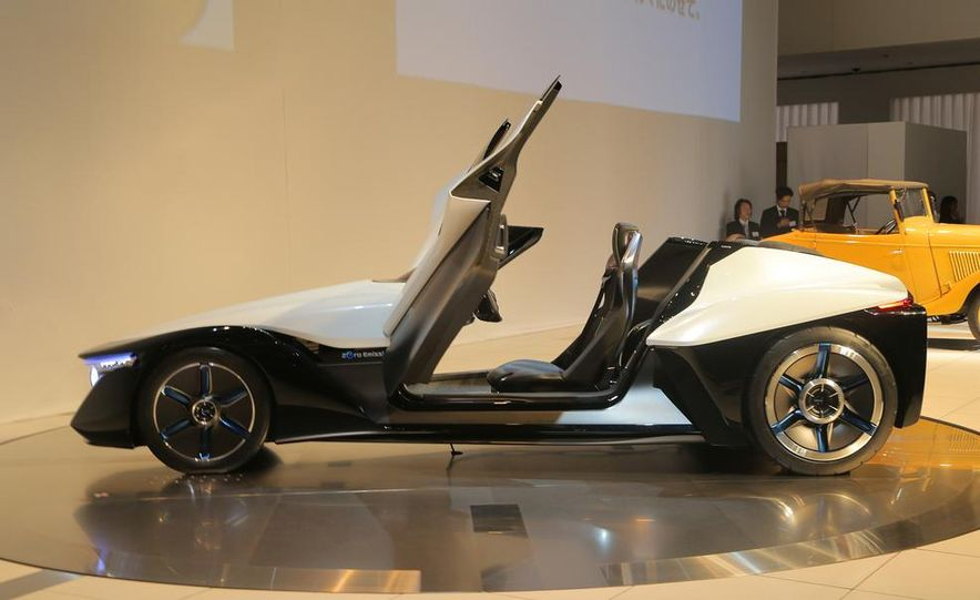 Nissan BladeGlider concept - Slide 12
