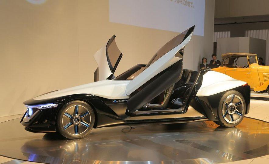 Nissan BladeGlider concept - Slide 13