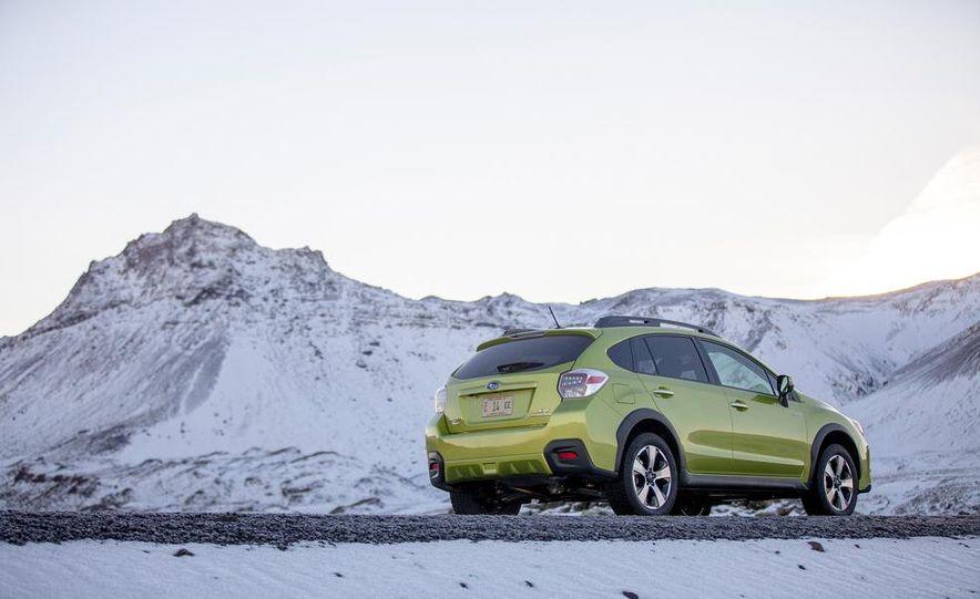 2014 Subaru XV Crosstrek hybrids - Slide 25