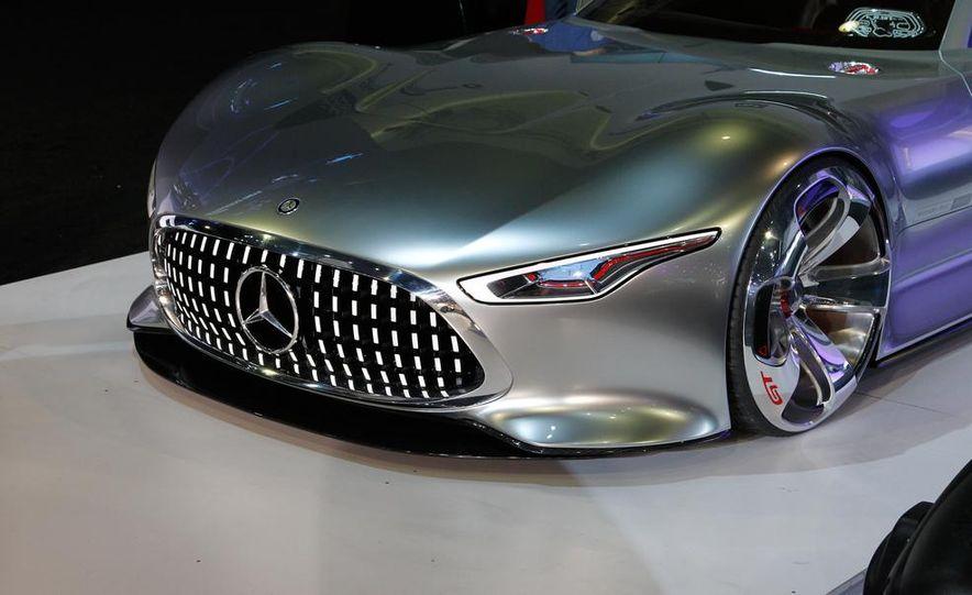Mercedes-Benz AMG Vision Gran Turismo concept - Slide 2