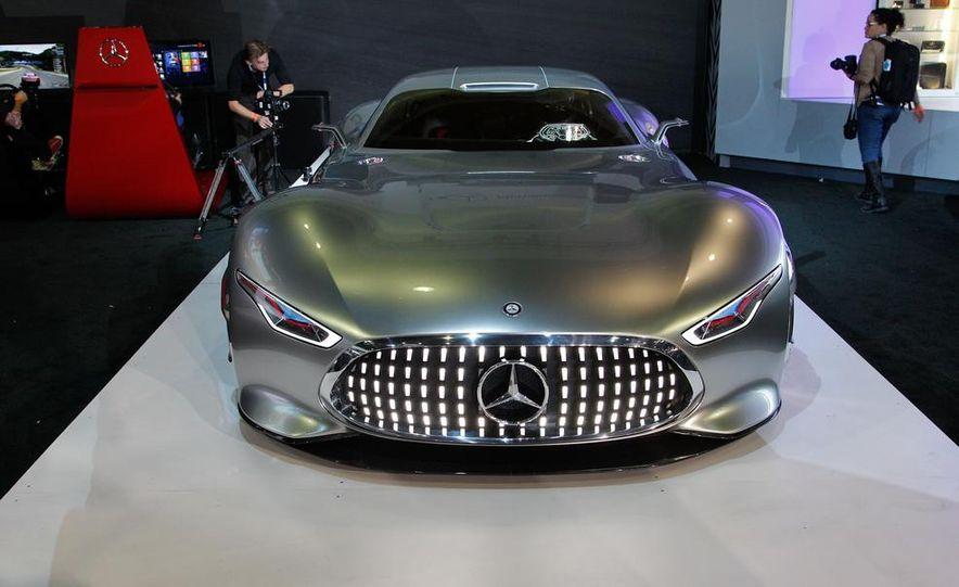 Mercedes-Benz AMG Vision Gran Turismo concept - Slide 3