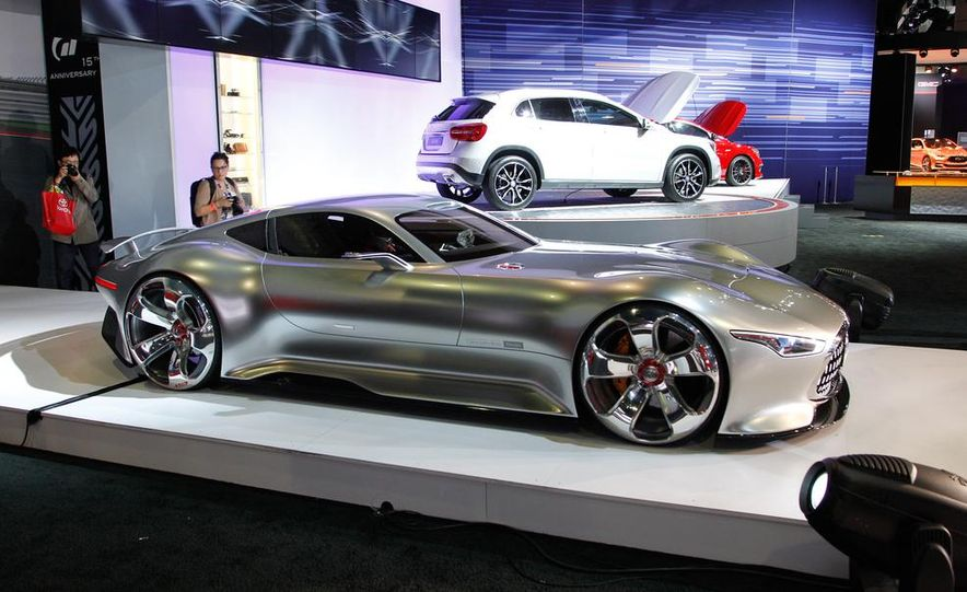 Mercedes-Benz AMG Vision Gran Turismo concept - Slide 6