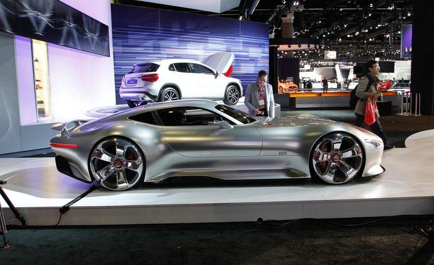 Mercedes-Benz AMG Vision Gran Turismo concept - Slide 7