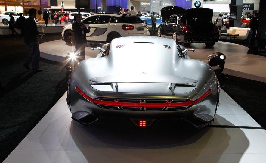 Mercedes-Benz AMG Vision Gran Turismo concept - Slide 10