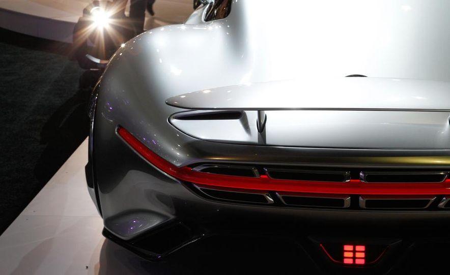 Mercedes-Benz AMG Vision Gran Turismo concept - Slide 11