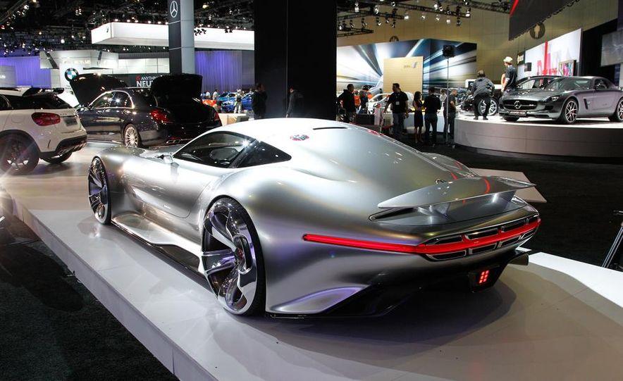 Mercedes-Benz AMG Vision Gran Turismo concept - Slide 13