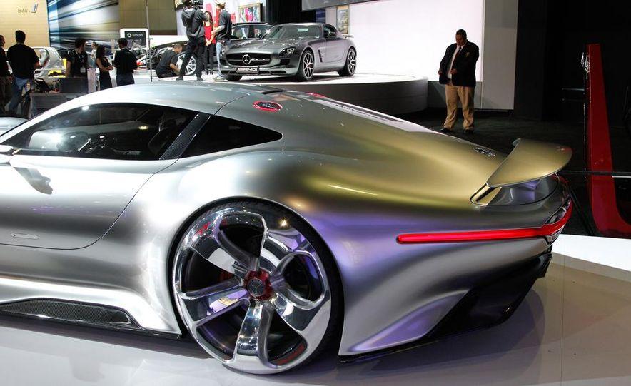 Mercedes-Benz AMG Vision Gran Turismo concept - Slide 14