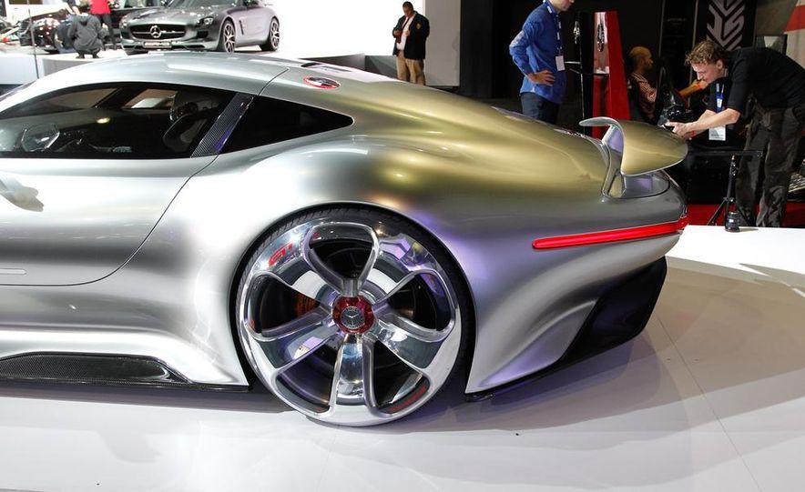 Mercedes-Benz AMG Vision Gran Turismo concept - Slide 15