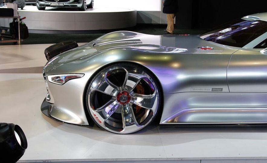 Mercedes-Benz AMG Vision Gran Turismo concept - Slide 16