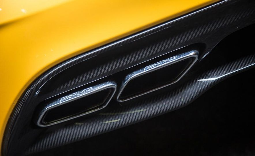 2014 Mercedes-Benz SLS AMG Black Series - Slide 14