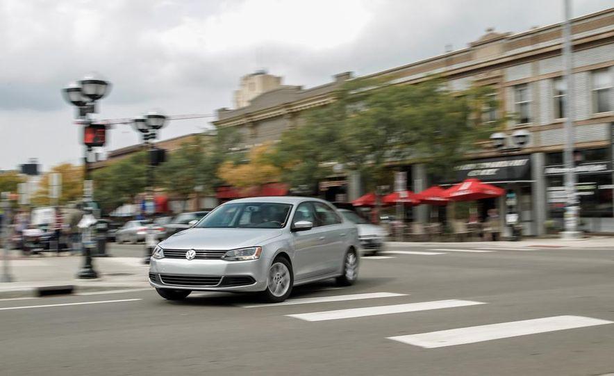2014 Volkswagen Jetta SE - Slide 2