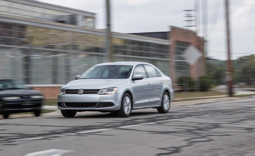 2014 Volkswagen Jetta SE - Slide 3