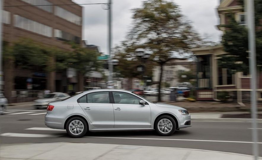 2014 Volkswagen Jetta SE - Slide 4