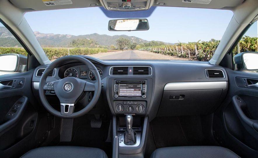 2014 Volkswagen Jetta SE - Slide 24