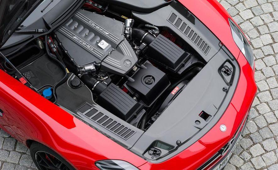 2015 Mercedes-Benz SLS AMG GT Final Edition coupe - Slide 19