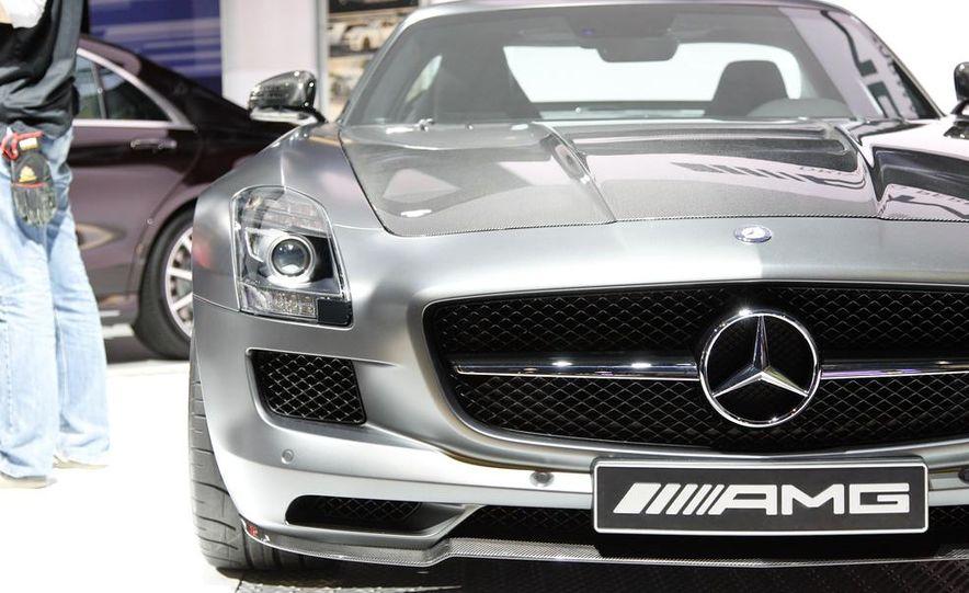 2015 Mercedes-Benz SLS AMG GT Final Edition coupe - Slide 4