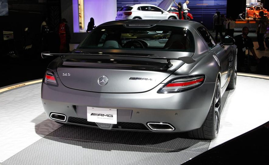 2015 Mercedes-Benz SLS AMG GT Final Edition coupe - Slide 13
